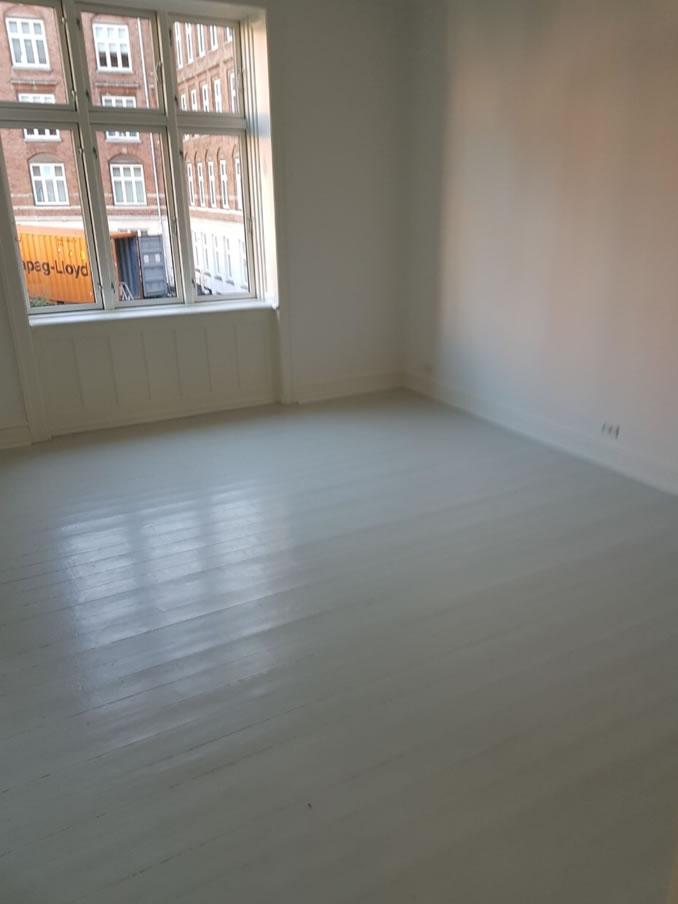 gulvafslibning af malet gulv